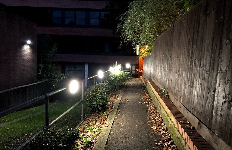 iPhone-8-camera-sample-night-street
