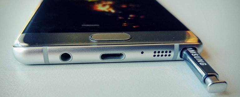 Samsung Galaxy Note 7 bottom