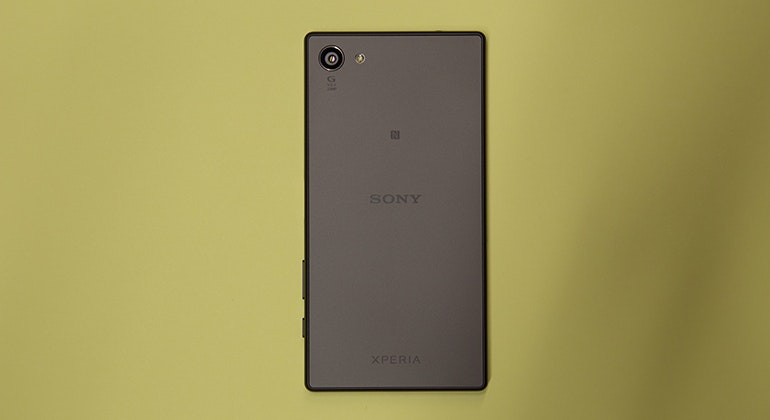 sony xperia z5 compact rear