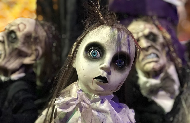 iPhone-8-camera-sample-Halloween-doll