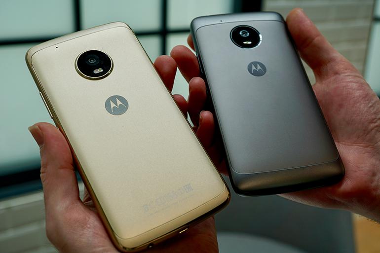 Motorola Moto G5 review back angled