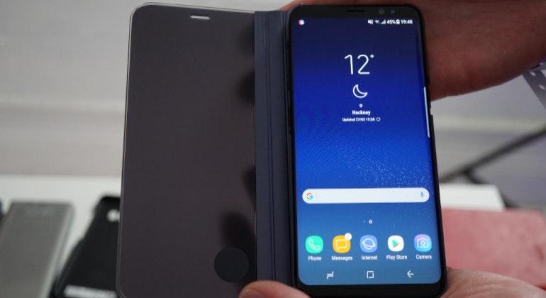 Samsung Galaxy S8 in case