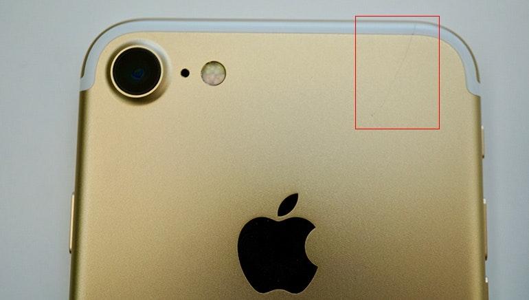 Refurbished iPhone 7 gold scratch back
