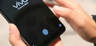 Smartphone with in–screen fingerprint scanner beats Apple and Samsung to the punch