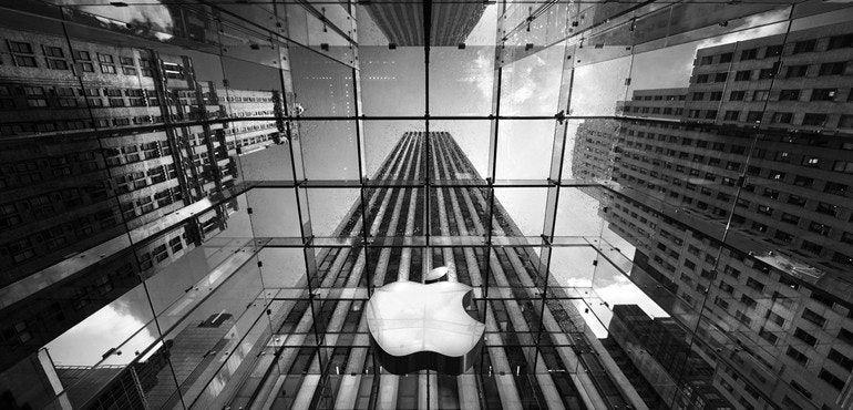 Apple store black and white