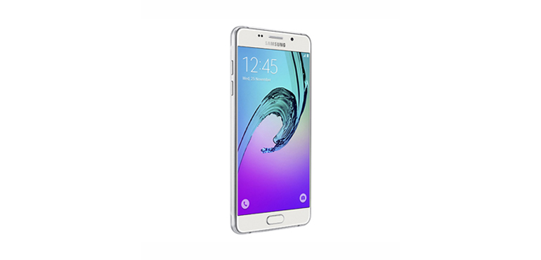 Samsung Galaxy A3 and A5 on sale tomorrow