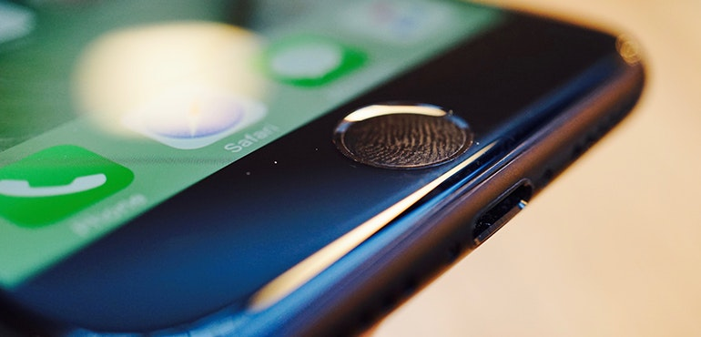 iPhone 7 home button detail