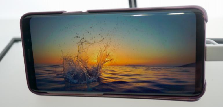 Samsung Galaxy S9 screen hero size