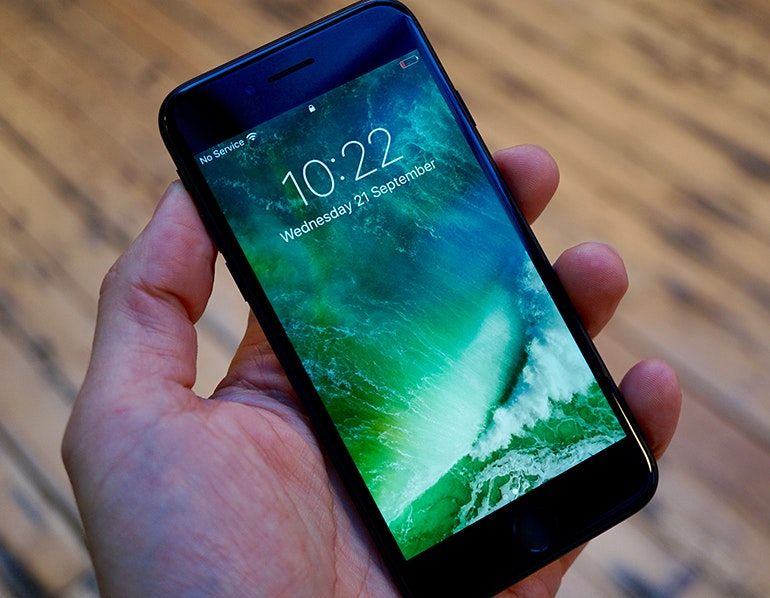 how to get a video out of an iphone 7