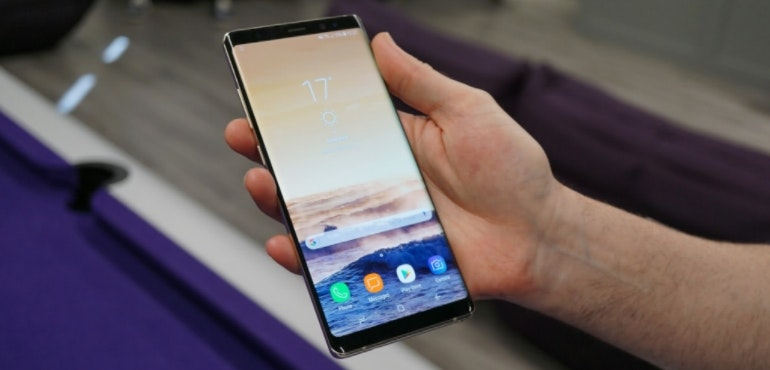 Samsung Galaxy Note 8 design in-hand hero image